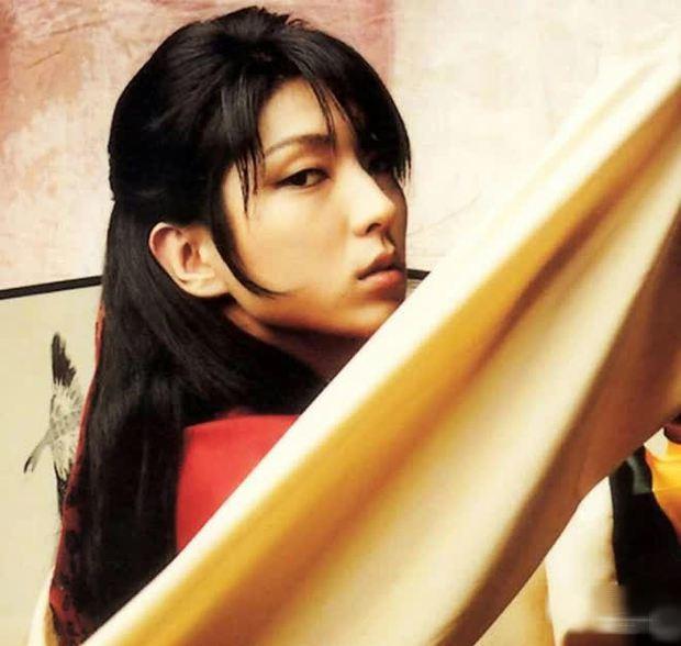 Loạt ảnh Lee Jun Ki thời đóng phim đam mỹ bị đào lại, nhan sắc chuẩn bé thụ vừa nhìn đã u mê - Ảnh 9.