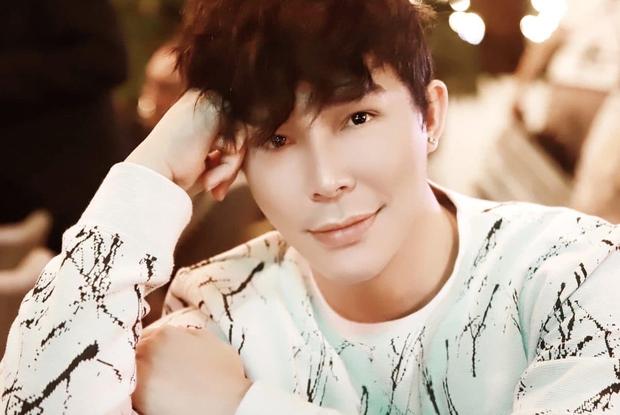 Nathan Lee hẹn 11h livestream về Sơn Tùng nhưng Sơn Tùng đã lên giường đi ngủ từ 10h - Ảnh 2.