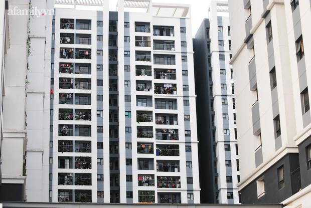 Hà Nội: Dân chung cư khốn khổ vì bị tra tấn bởi 12 cục nóng điều hòa công nghiệp lắp ngay cạnh cửa sổ - Ảnh 6.