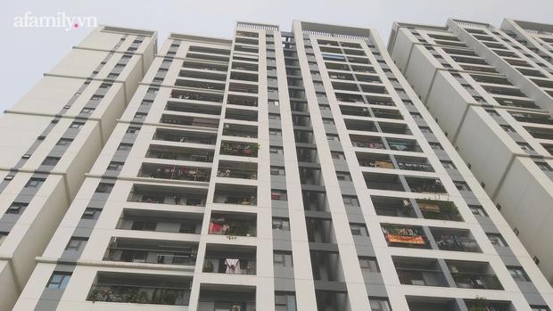 Hà Nội: Dân chung cư khốn khổ vì bị tra tấn bởi 12 cục nóng điều hòa công nghiệp lắp ngay cạnh cửa sổ - Ảnh 8.