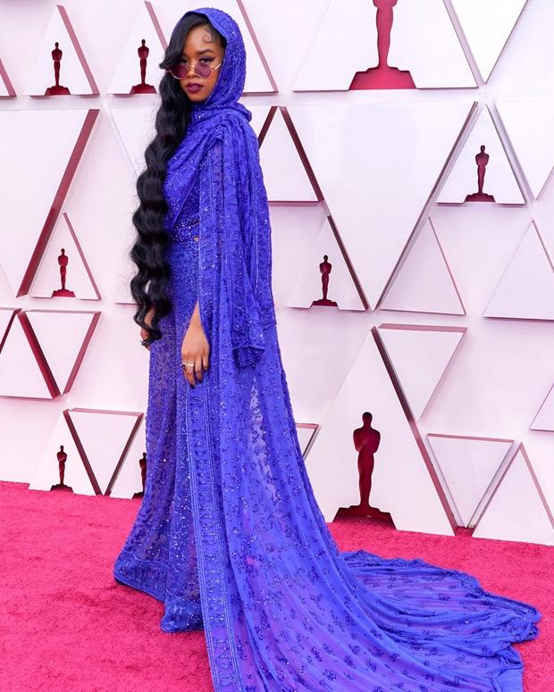 Siêu thảm đỏ Oscar 2021: Minh tinh xứ Hàn át cả dàn mỹ nhân hở bạo liệt, công chúa Disney xinh xỉu làm lu mờ người đẹp suýt lộ vòng 3 - Ảnh 24.
