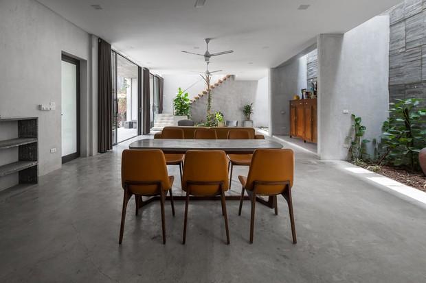 Xây nhà 2,5 tỷ với vật liệu hoàn thiện từ 100% bê tông, cặp vợ chồng khiến người bạn nước ngoài thích thú phải thuê ngay một phòng - Ảnh 10.