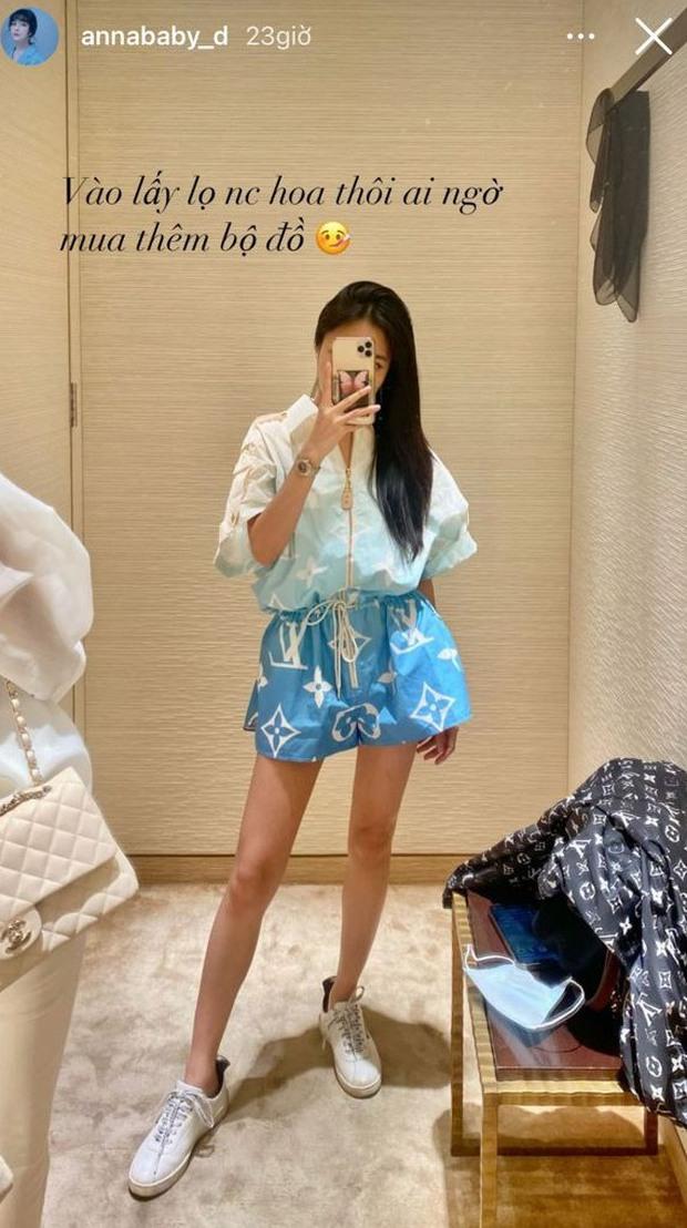 Trang Anna đi lấy chai nước hoa nhưng cái tay hư lại vớ thêm bộ đồ hiệu trị giá hơn 50 triệu - Ảnh 2.