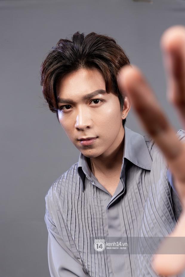 Tăng Phúc: Người nước ngoài hát nhạc Việt thì chẳng nghe ai nói gì, còn mình hát nhạc người ta thì dân mình lại tự chửi nhau - Ảnh 11.