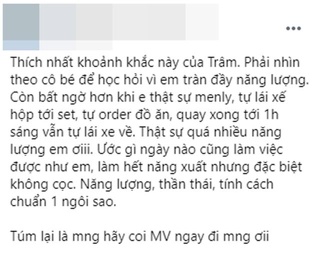 Người trong ekip khen Thiều Bảo Trâm tự lái xe, tự đặt đồ ăn khi quay MV, fan Sơn Tùng cà khịa: Lúc trước quen có cả ekip lo cho rồi - Ảnh 1.