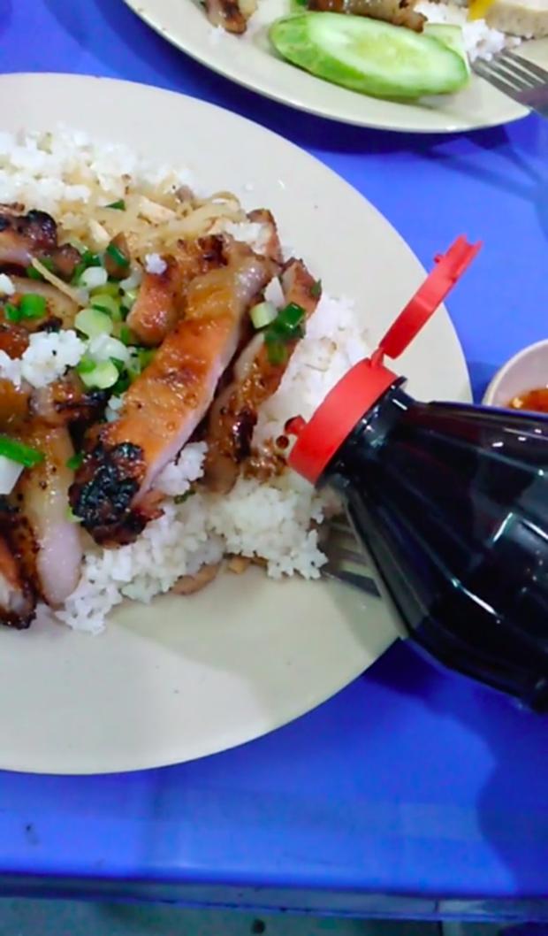 """Tranh cãi về cách ăn cơm tấm """"sẽ khiến người Sài Gòn đánh bạn"""": Có đến mức phải như vậy không? - Ảnh 2."""