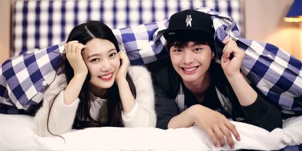 Đau đầu chọn couple có chemistry đỉnh nhất Kpop: Hyeri - Park Bo Gum có plot twist gây sốc, IU mê luôn tài tử kém 4 tuổi? - Ảnh 6.