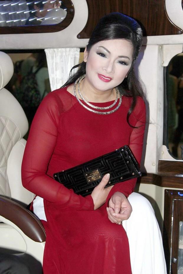 NS Như Quỳnh tuổi 51 mà trong ảnh đẹp như gái đôi mươi, lập tức bị soi photoshop quá đà, còn bị netizen tung ảnh thật để làm rõ? - Ảnh 8.