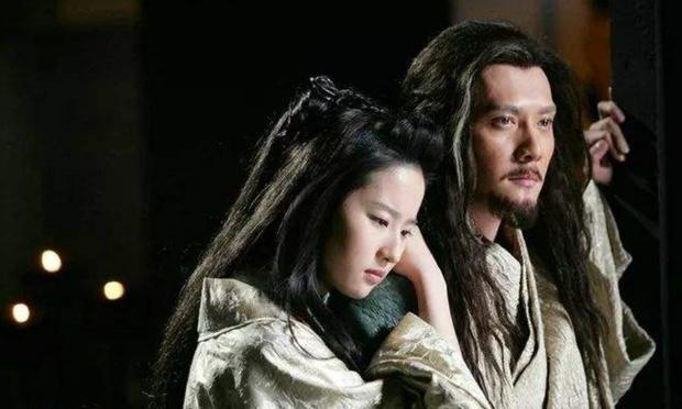 Vừa ly hôn với Triệu Lệ Dĩnh, Phùng Thiệu Phong đã yêu ngay Lưu Diệc Phi, cặp đôi hoá ra phim giả tình thật? - Ảnh 5.