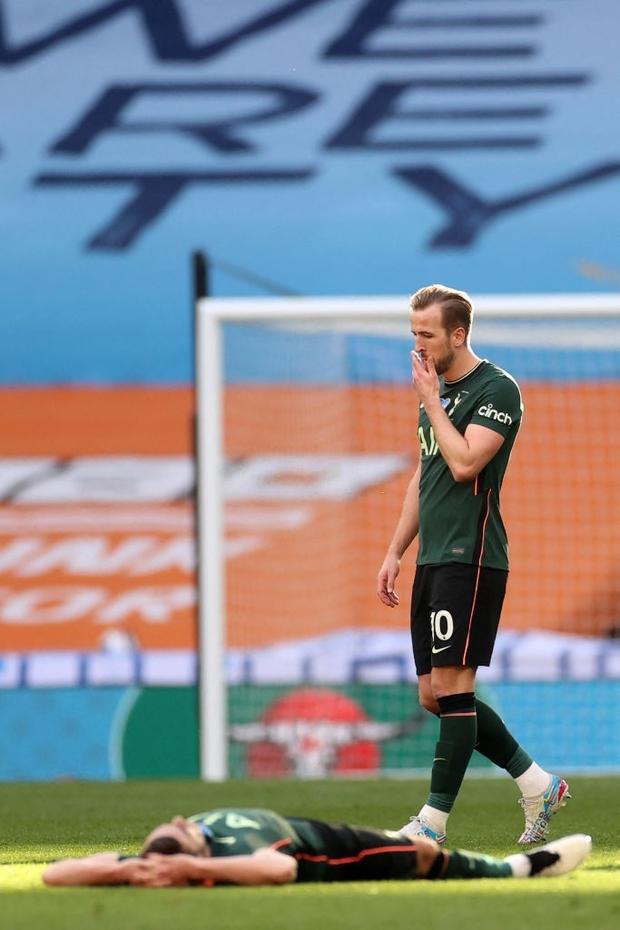 Son Heung-min khóc nức nở sau thất bại ở chung kết Cúp Liên đoàn Anh - Ảnh 6.