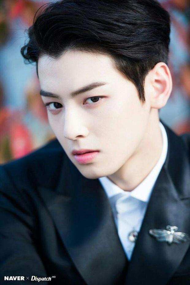 Dispatch công bố 8 idol mắt đẹp nhất xứ Hàn: 2 nhan sắc đỉnh nhất thế giới là của hiếm, có nam idol khiến phái nữ ghen đỏ mắt - Ảnh 9.