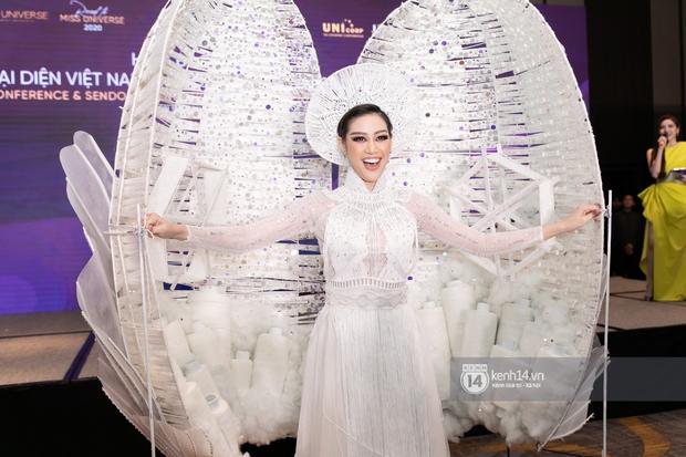 Clip: Khánh Vân công bố trang phục dân tộc sẽ mang sang Mỹ thi Miss Universe 2020 nhưng lại gây tranh cãi vì 1 chi tiết - Ảnh 5.