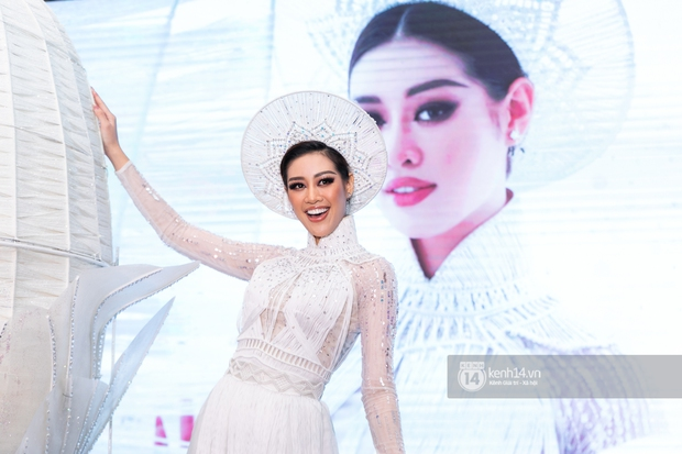 Clip: Khánh Vân công bố trang phục dân tộc sẽ mang sang Mỹ thi Miss Universe 2020 nhưng lại gây tranh cãi vì 1 chi tiết - Ảnh 8.