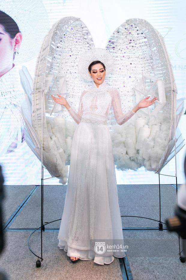 Clip: Khánh Vân công bố trang phục dân tộc sẽ mang sang Mỹ thi Miss Universe 2020 nhưng lại gây tranh cãi vì 1 chi tiết - Ảnh 3.