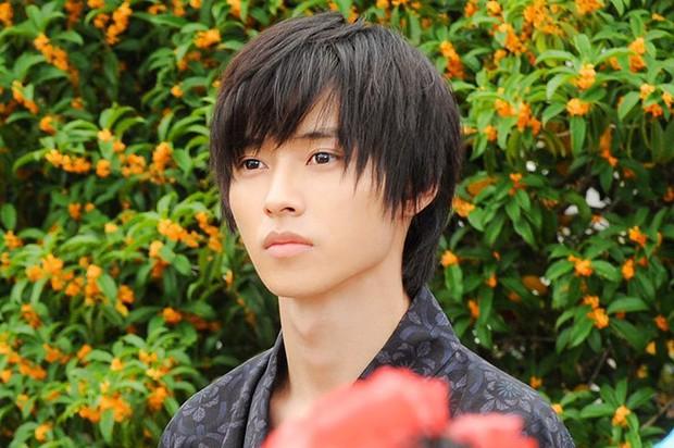 Hành trình thoát đơ của hoàng tử shoujo Kento Yamazaki: Đâu phải cứ đẹp là được bao che và tha thứ! - Ảnh 10.