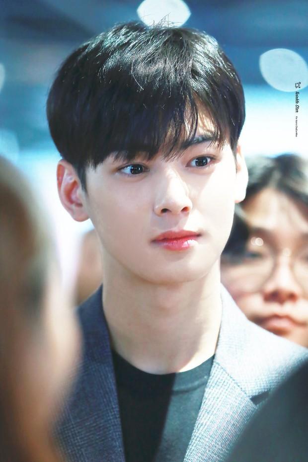 Dispatch công bố 8 idol mắt đẹp nhất xứ Hàn: 2 nhan sắc đỉnh nhất thế giới là của hiếm, có nam idol khiến phái nữ ghen đỏ mắt - Ảnh 10.