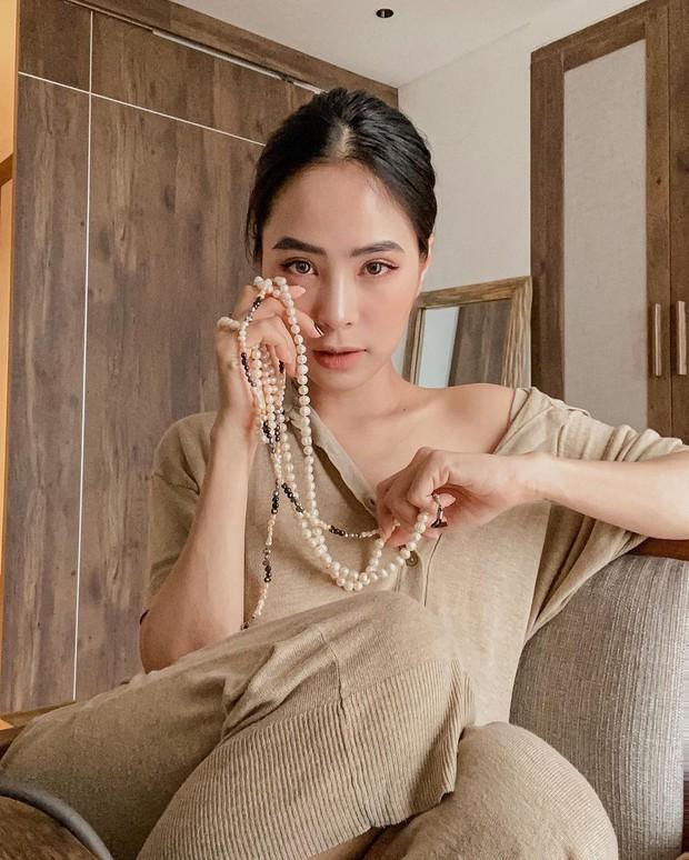 Học ca nương Kiều Anh tậu váy suông oversize giá chỉ vài trăm, mặc mát mà xinh như công chúa - Ảnh 1.