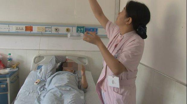 9 sinh viên Trung Quốc nhập viện vì hút thuốc lá điện tử chứa cần sa, bác sĩ cảnh báo: Giới trẻ phải cẩn trọng với trào lưu độc hại này - Ảnh 1.