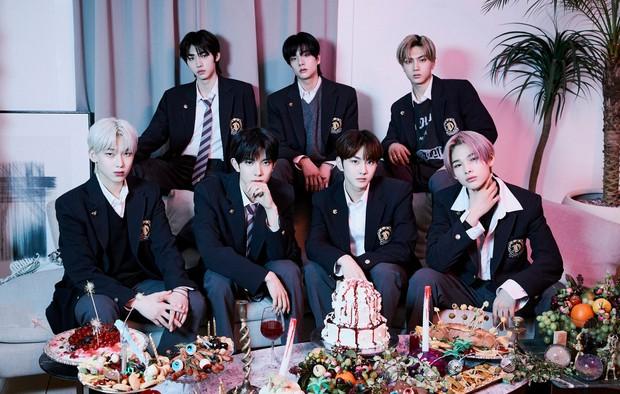 Không hổ danh là đàn em BTS, nhóm tân binh vượt cả Rosé (BLACKPINK) lập kỷ lục bán album đỉnh nhất Gen 4 - Ảnh 3.