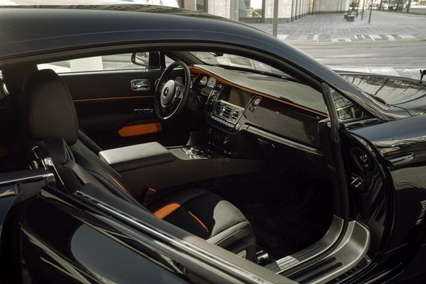 Độ Rolls-Royce phải như thế này: Wraith Black Badge đen toàn tập, công suất tăng lên tới 707 mã lực - Ảnh 6.