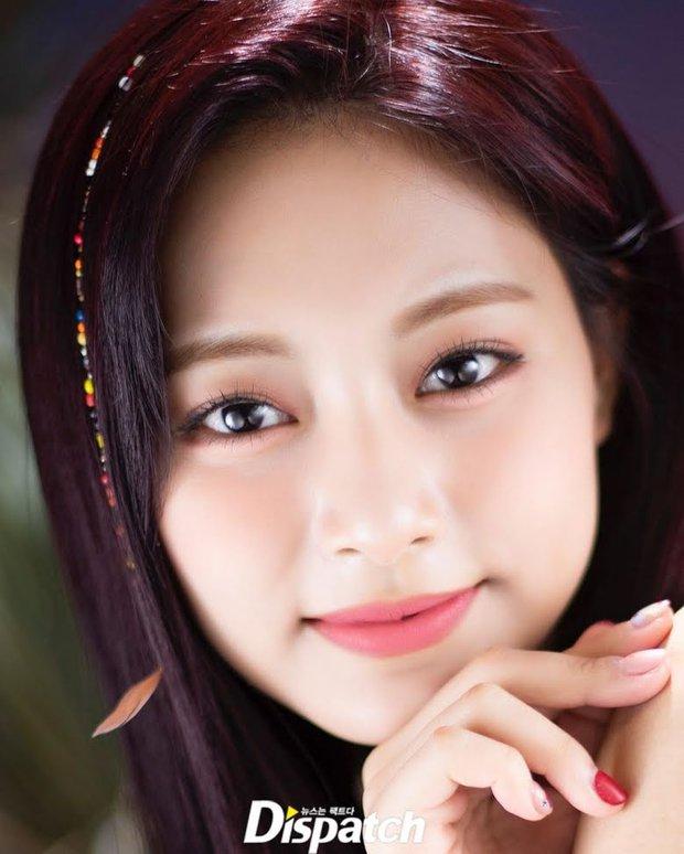 Dispatch công bố 8 idol mắt đẹp nhất xứ Hàn: 2 nhan sắc đỉnh nhất thế giới là của hiếm, có nam idol khiến phái nữ ghen đỏ mắt - Ảnh 12.