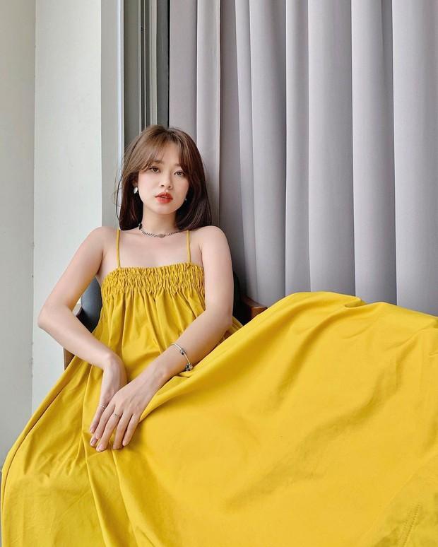 Có 1 mẫu váy đi biển siêu xinh mà từ Hà Hồ tới Kaity Nguyễn đều ưng nổ đĩa, quá hợp để diện đi du lịch luôn! - Ảnh 7.