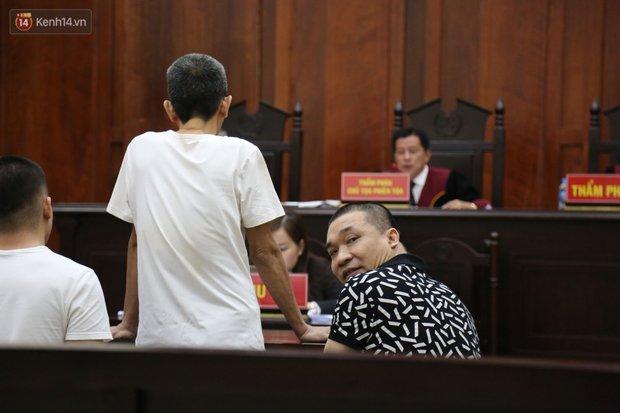 Ông trùm ma túy Văn Kính Dương cùng người tình Ngọc Miu cười tươi đến tòa, các bị cáo xin giảm nhẹ hình phạt - Ảnh 8.