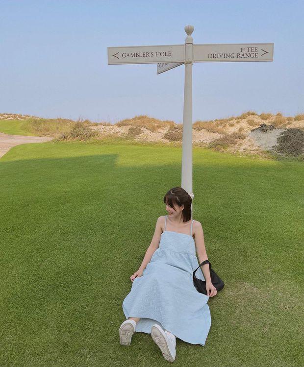 Có 1 mẫu váy đi biển siêu xinh mà từ Hà Hồ tới Kaity Nguyễn đều ưng nổ đĩa, quá hợp để diện đi du lịch luôn! - Ảnh 5.