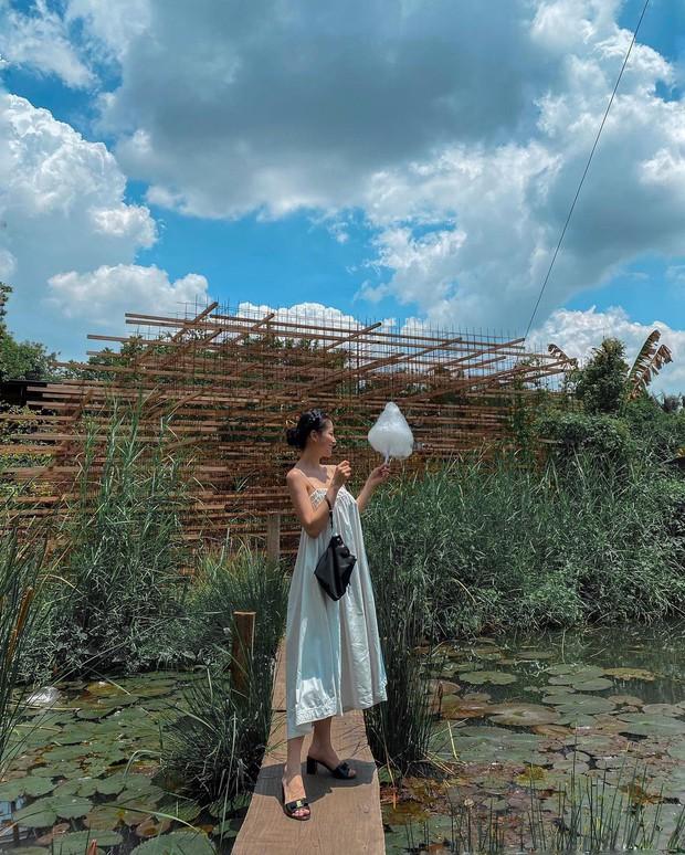 Có 1 mẫu váy đi biển siêu xinh mà từ Hà Hồ tới Kaity Nguyễn đều ưng nổ đĩa, quá hợp để diện đi du lịch luôn! - Ảnh 2.