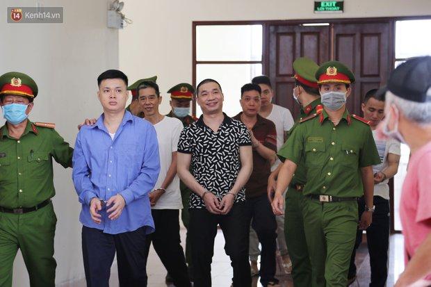 Ông trùm ma túy Văn Kính Dương cùng người tình Ngọc Miu cười tươi đến tòa, các bị cáo xin giảm nhẹ hình phạt - Ảnh 9.