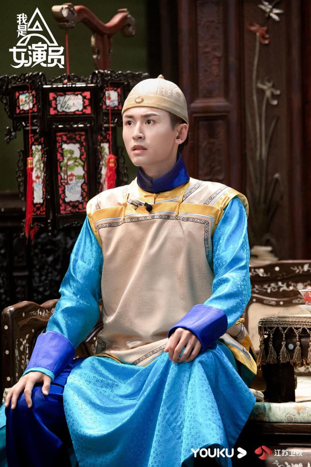 Trương Triết Hạn gây sốt vì tạo hình hoàng tử nhà Thanh, hóa ra từng đóng chung vũ trụ với Triệu Lệ Dĩnh? - Ảnh 6.