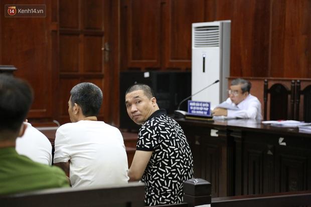 Ông trùm ma túy Văn Kính Dương cùng người tình Ngọc Miu cười tươi đến tòa, các bị cáo xin giảm nhẹ hình phạt - Ảnh 4.