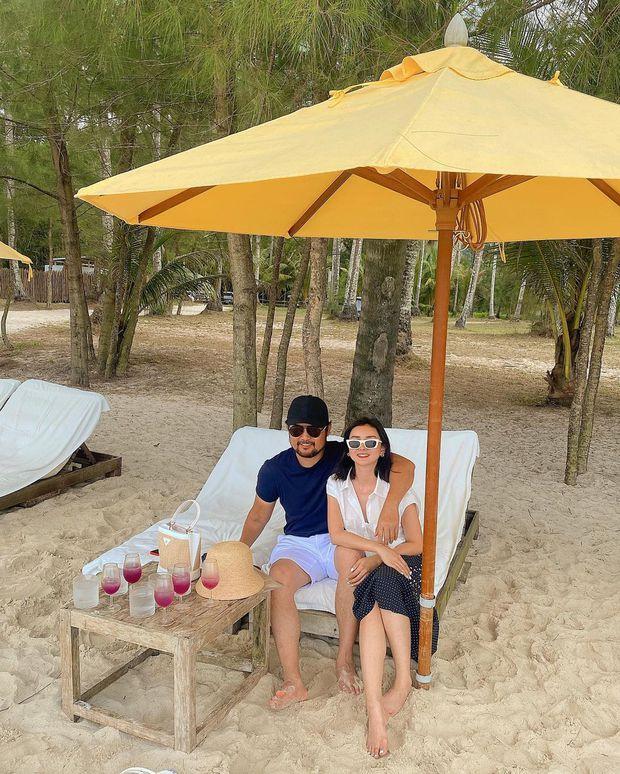Dâu hào môn đất Thái Lan thả dáng với bikini, tiết lộ được chồng đại gia yêu chiều bằng một giao kèo nhỏ - Ảnh 2.