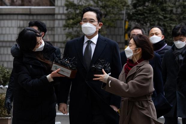 Kế hoạch trả khoản thuế thừa kế 11 tỷ USD của gia tộc Samsung: Hiến tặng 1 nghìn tỷ won trang thiết bị y tế và 23.000 tác phẩm nghệ thuật cho chính phủ - Ảnh 2.
