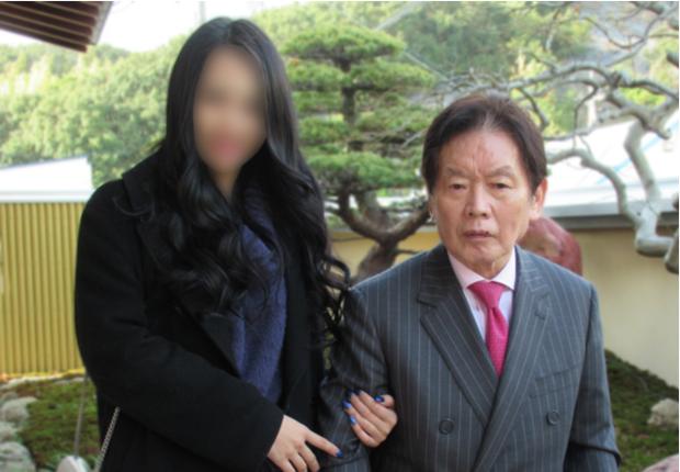 Vụ án chấn động Nhật Bản: Đại gia 77 tuổi bị sát hại sau 3 tháng kết hôn, 3 năm sau vợ minh tinh kém 55 tuổi mới bị bắt - Ảnh 4.