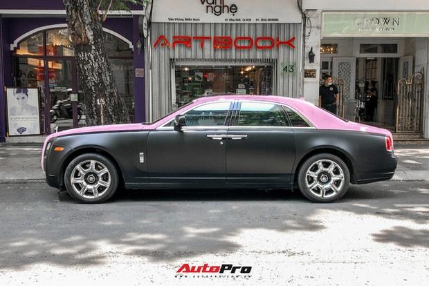 Rolls-Royce Ghost của Ngọc Trinh dẫn đầu đoàn siêu xe tiền tỷ diễu hành trên phố Sài Gòn - Ảnh 4.