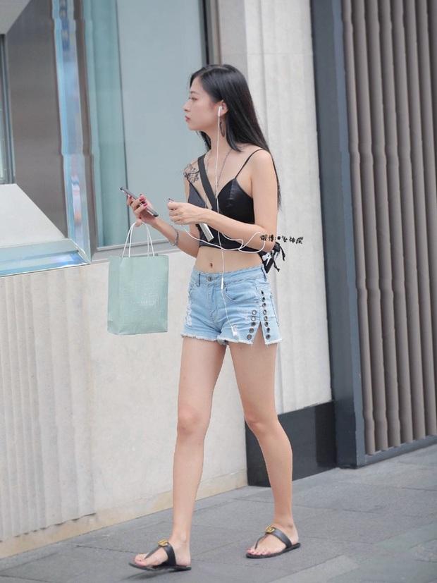 Mùa Hè mặc quần ngắn mát mẻ thật, nhưng làm ơn tránh xa những chiếc quần shorts ác mộng thế này! - Ảnh 4.
