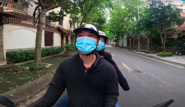 YouTuber Duy Nến bị dân mạng chỉ trích mấy hôm nay đã chuyển sang chạy xe ôm? - Ảnh 2.