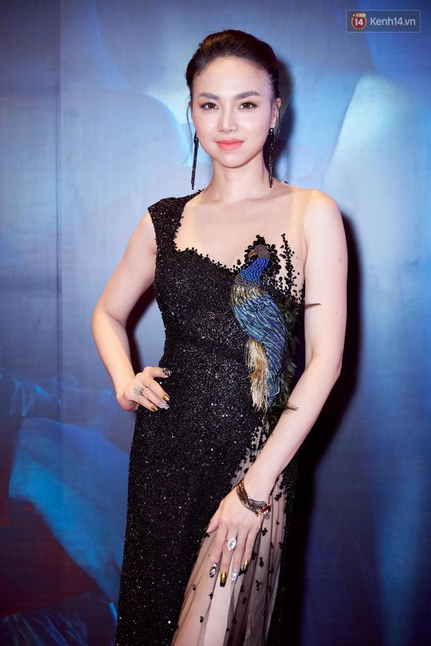 Dân tình than thở Victor Vũ giấu vợ kĩ quá, đòi trả lại diễn viên Đinh Ngọc Diệp trên màn ảnh Việt - Ảnh 2.