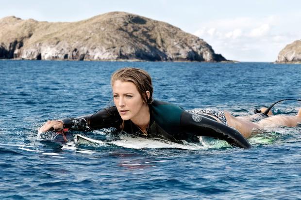 Để con gái đỡ nghiện Baby Shark, Deadpool Ryan Reynolds cho bé xem luôn phim cá mập ăn thịt người do... mẹ ruột đóng - Ảnh 6.