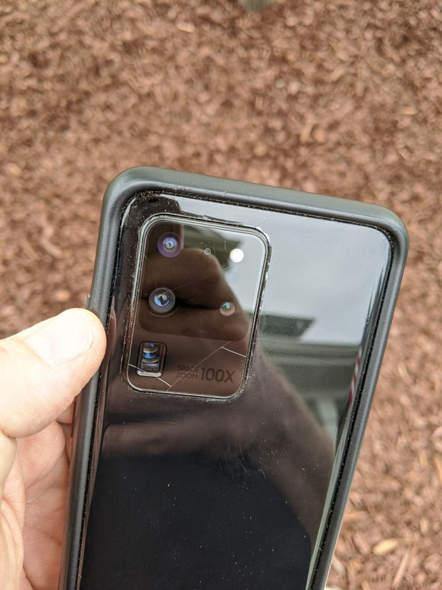 Samsung bị kiện vì kính bảo vệ camera trên các mẫu Galaxy S20 hay vỡ - Ảnh 2.