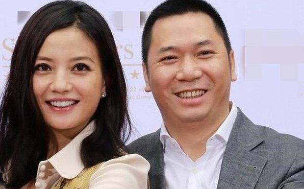 Sóng gió Cbiz: Hết Trịnh Sảng trốn thuế, đến lượt Triệu Vy dính phốt căng đến mức bị treo tên trên top tìm kiếm Weibo - Ảnh 3.