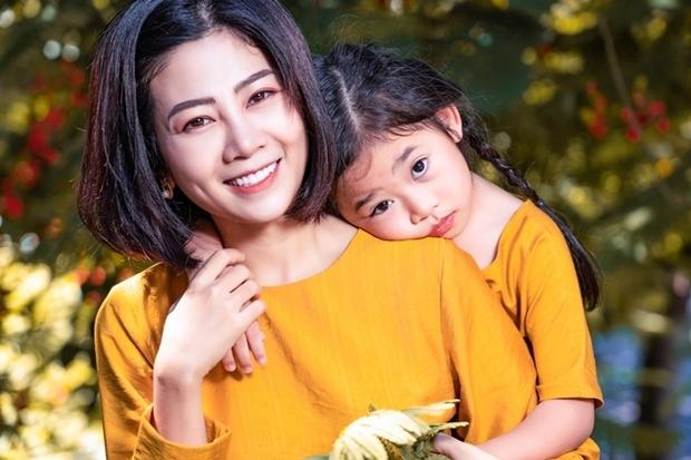 Ốc Thanh Vân hé lộ cuộc sống hiện tại của bé Lavie, nghẹn ngào: Nhiều lúc không dám nhìn vào mắt vì con quá giống Mai Phương - Ảnh 6.