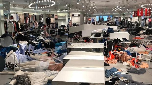 Liên hoàn phốt của H&M suốt thời gian qua: Từ cổ phiếu lao dốc, nhiều store đóng cửa cho đến bị tẩy chay - Ảnh 5.