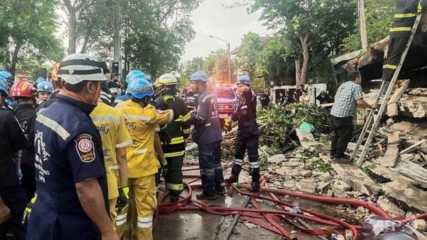Căn hộ cao cấp ở Bangkok đổ sập làm 4 người chết - Ảnh 2.