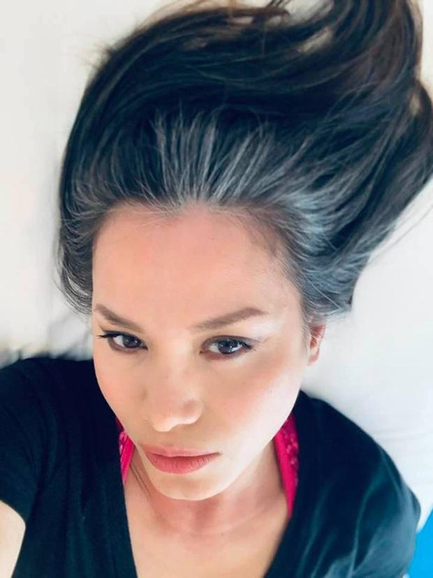 Hoa hậu Việt Nam 1998 Ngọc Khánh: Đầu đầy tóc bạc nhưng nhan sắc lại gây bất ngờ - Ảnh 4.