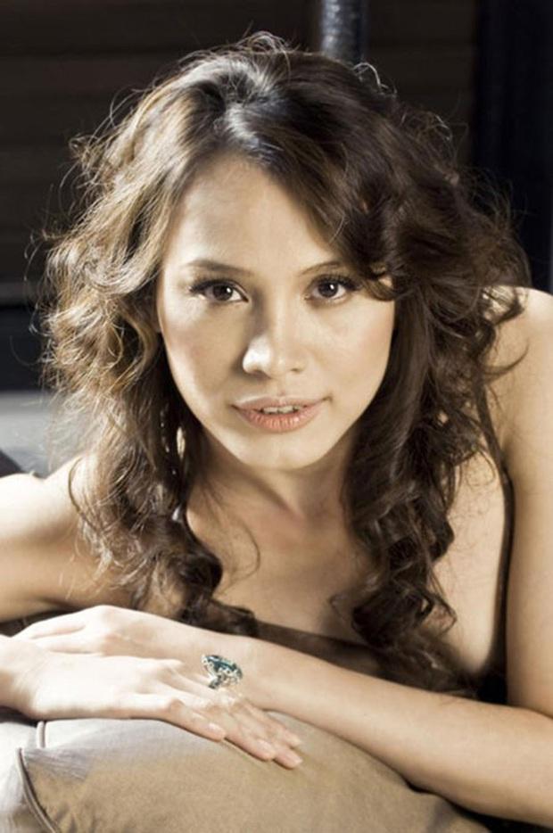 Hoa hậu Việt Nam 1998 Ngọc Khánh: Đầu đầy tóc bạc nhưng nhan sắc lại gây bất ngờ - Ảnh 8.