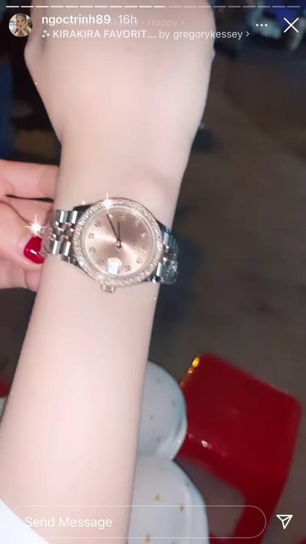 Ngọc Trinh được bạn thân tặng đồng hồ mới giá khủng sau vụ mất trộm BST 15 tỷ chấn động Vbiz - Ảnh 3.