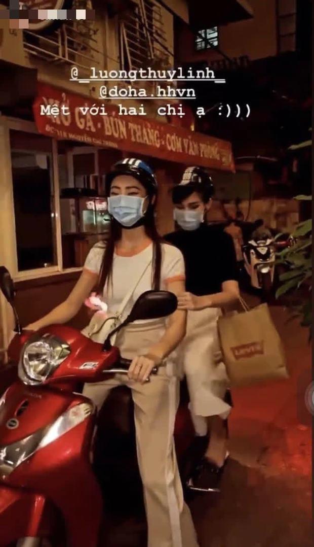 Đỗ Thị Hà và Lương Thuỳ Linh dự event rồi về xả vai đi ăn vỉa hè, thiếu đồ lồng lộn mà vẫn xinh xỉu ngang xỉu dọc - Ảnh 2.