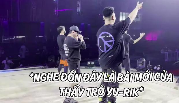 Karik hội ngộ học trò trong buổi tổng duyệt Rap Việt All-Star Concert, MCK - Tlinh không quên phát cẩu lương - Ảnh 4.